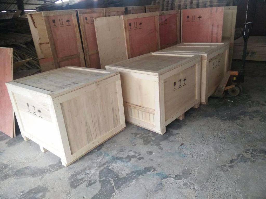 对比分析木制包装箱与纸箱的特点及应用范围